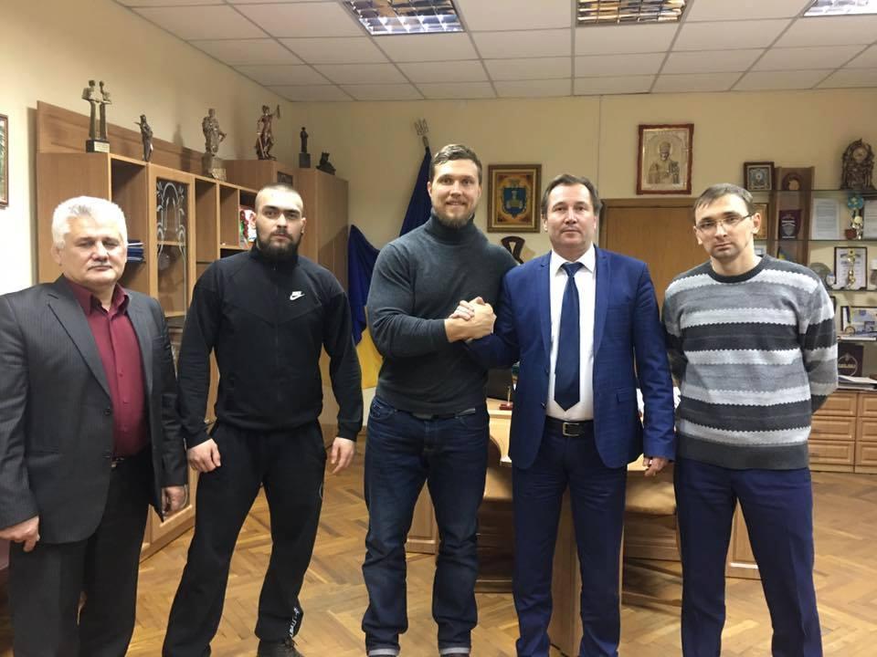 Стронгмен Сергій Конюшок відвідав Хмільник
