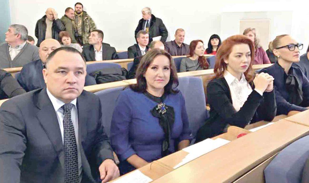 Демократичний підбір кадрів врятує Україну