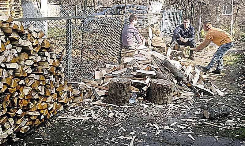 Залишились без дров жителі 4 районів Вінниччини