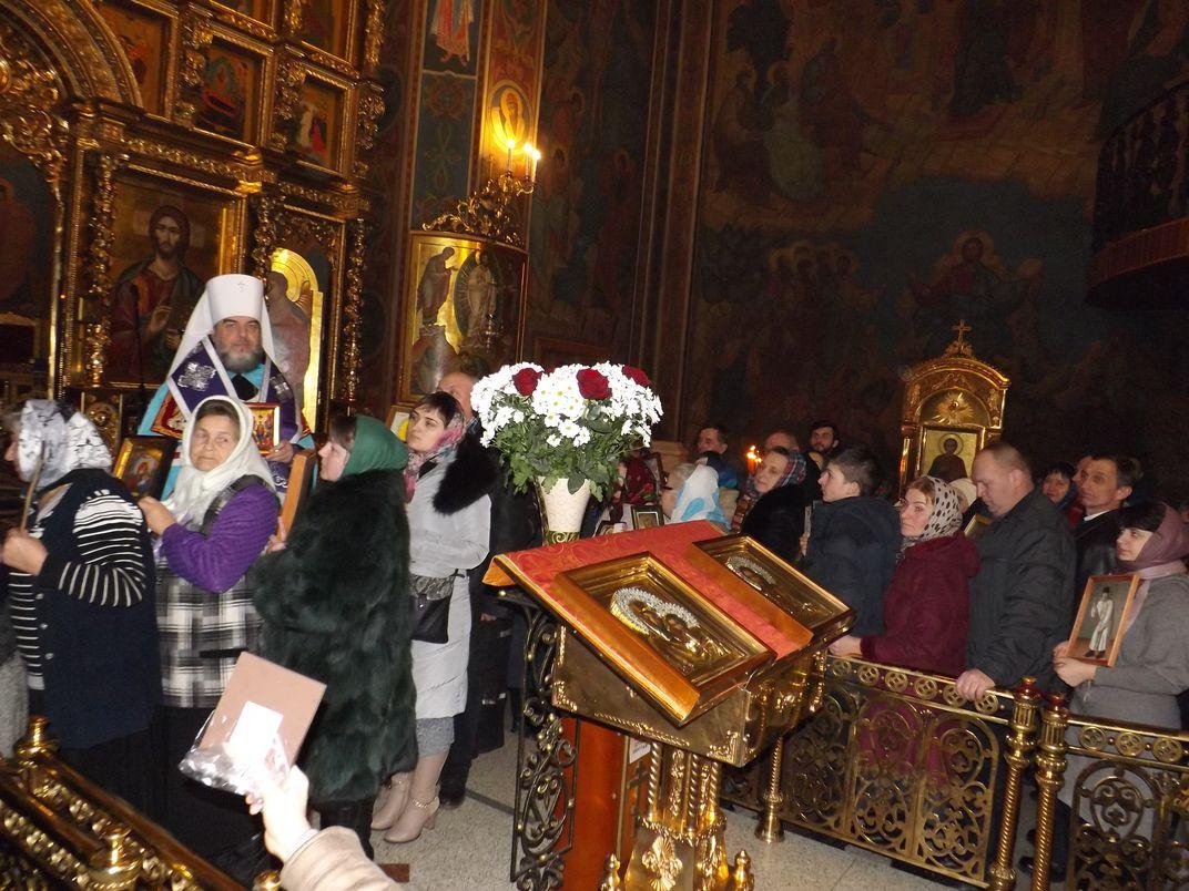 На Вінниччині минулої неділі люди йшли у церкви зі своїми іконами