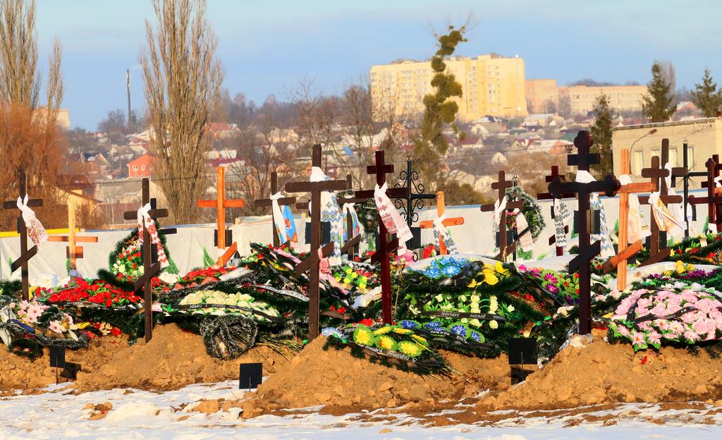 На кладовищі Сабарова вже 200 могил. Із людей комунальники вимагають 62 тис. грн.