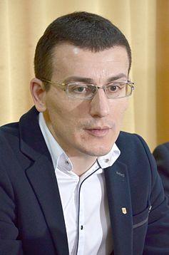 Влада України маніпулює увагою населення