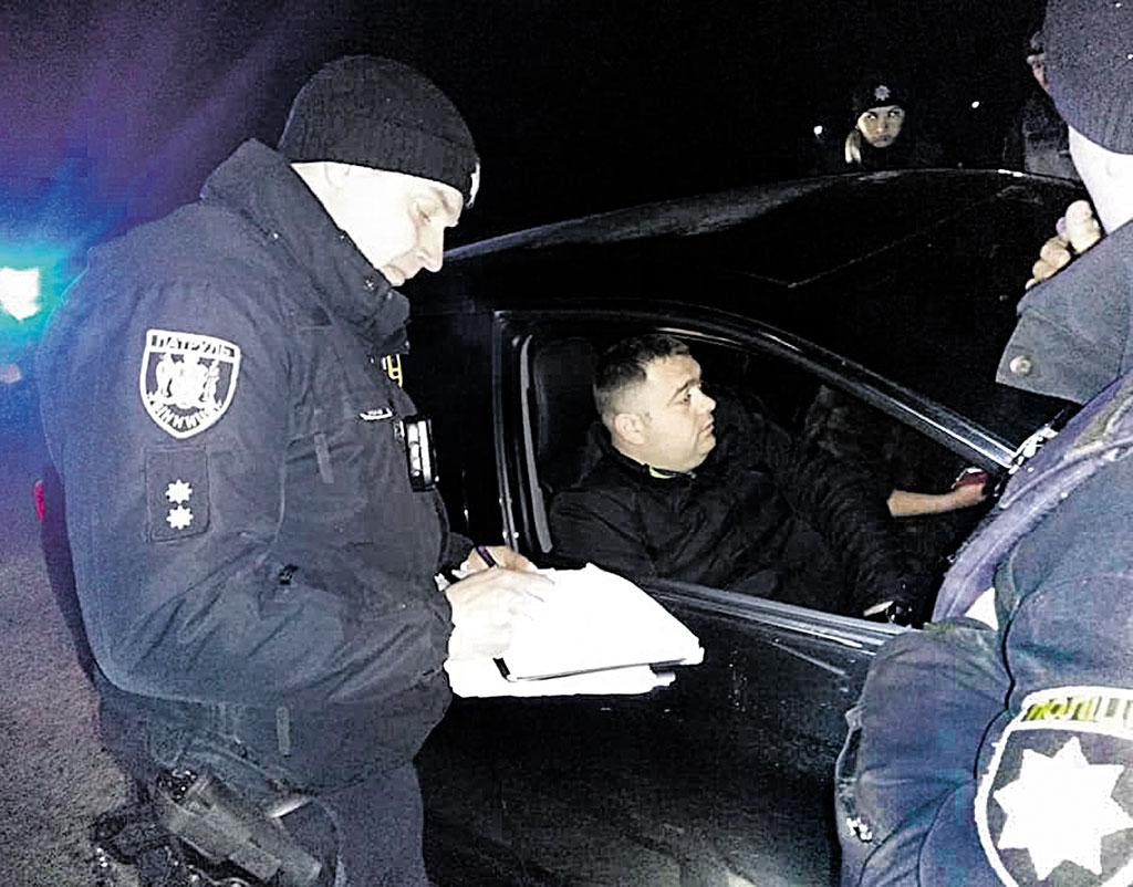 П'яного колегу затримали вінницькі поліцейські