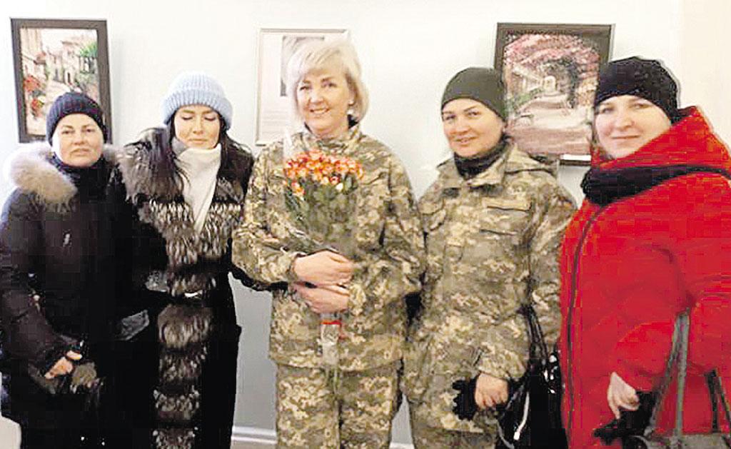 «Жовті троянди» стали першим кроком до персональної виставки