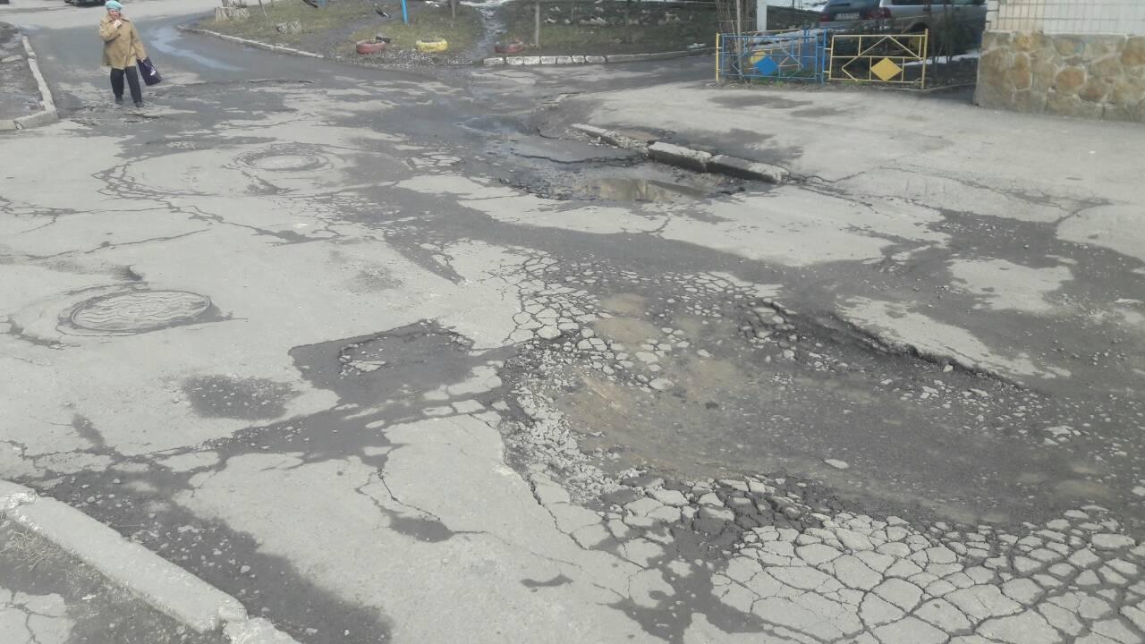 Дорожніх ремонтів на 147 мільйонів планує Вінниця цьогоріч. Які вулиці першими оновлять асфальт? (відео)