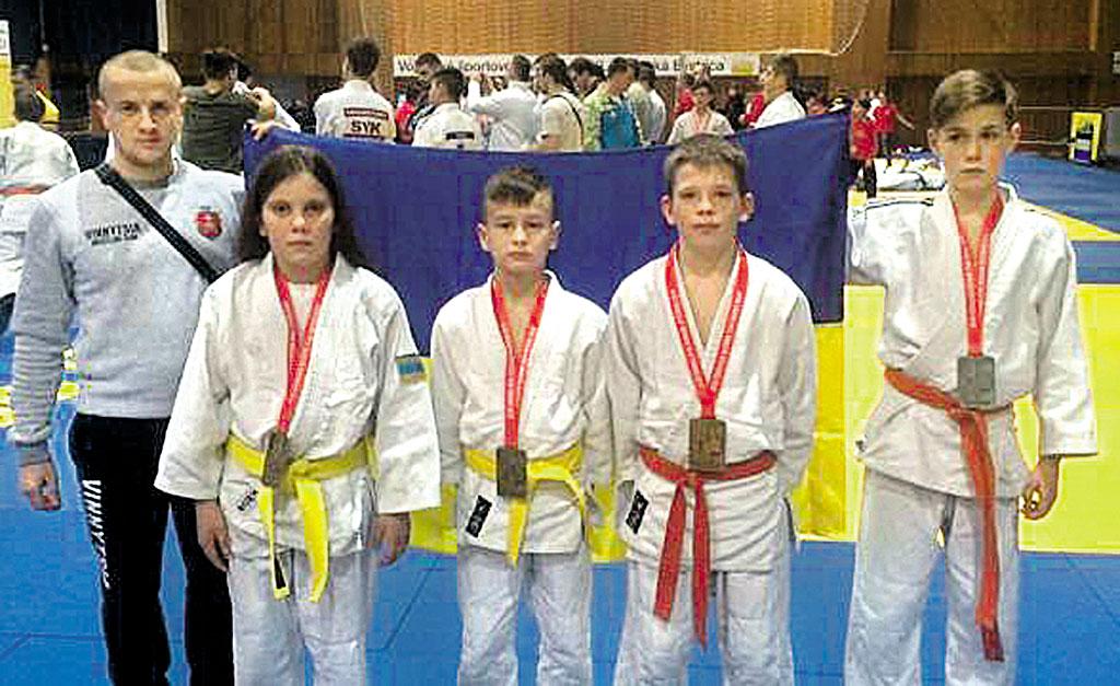 Золоту медаль на міжнародному турнірі отримала школярка з Ямполя