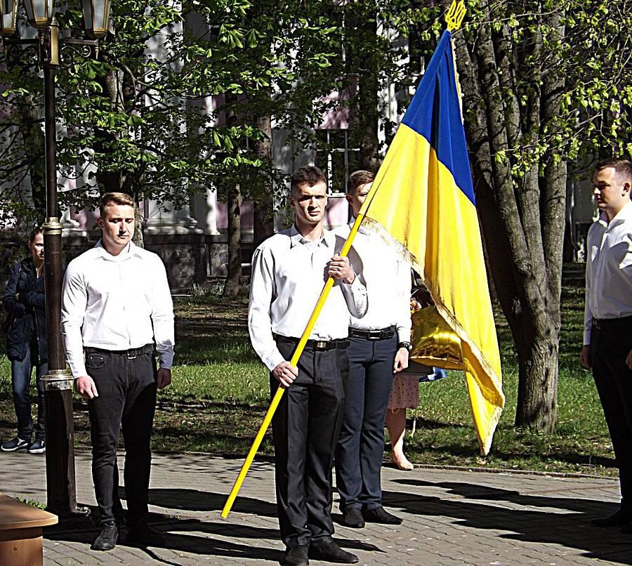 У Вінниці майбутні військові лікарі присягнули на вірність народу України (відео)