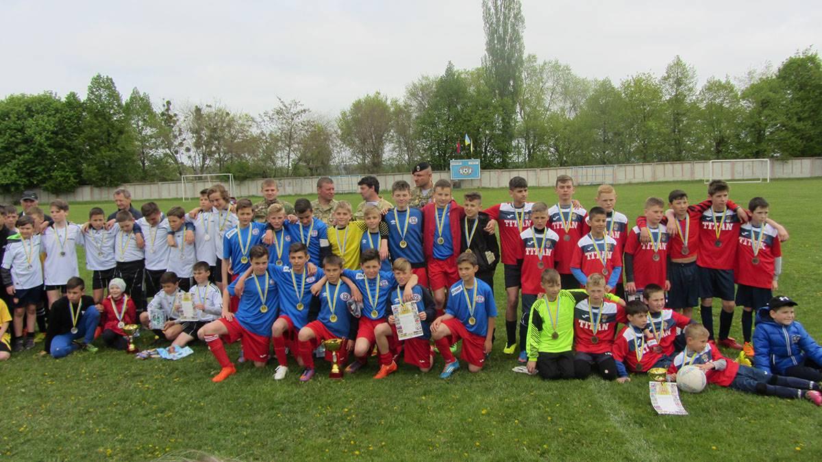 У футбол в Ладижині, присвяченого пам'яті героїв АТО, гратиме син захисника Дебальцевого