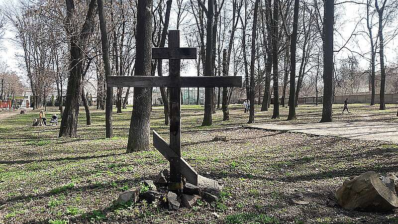 Хто підпалив хрест на «Хіміку» на місці «Київської» церкви? (відео)