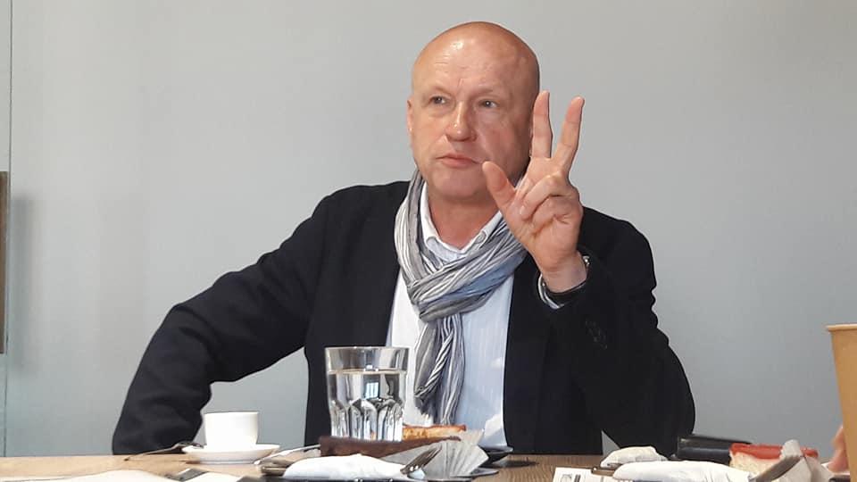 – В Україні вже смердить виборами!!! – заявив у Вінниці Олег Рибачук (відео)