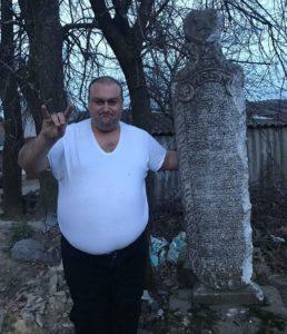 Турецький обеліск з білого мармуру знайшли у Стрижавці