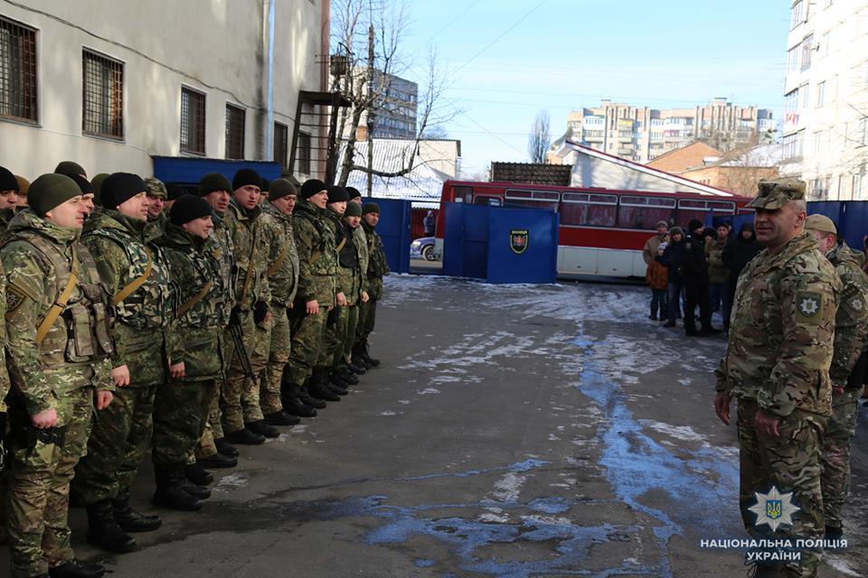 """Більше 400 людей врятували на Сході України поліцейські зі спецбатальйону """"Вінниця"""""""