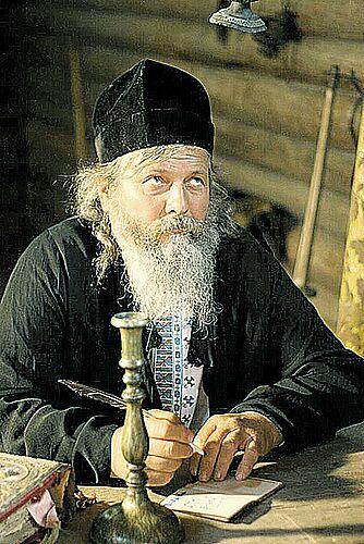 Митець Альошкін із Бука тинки у фільмі про «Чорного козака» зіграв батюшку