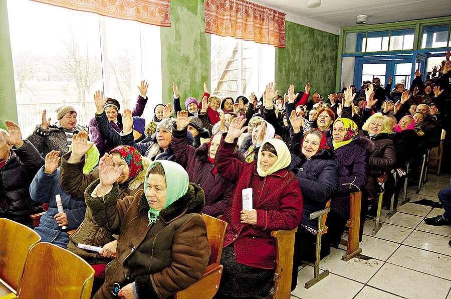 «Подивіться, як люди живуть, невже ми гірші?» – говорили жителі Новоселівки, голосуючи за будівництво птахофабрики
