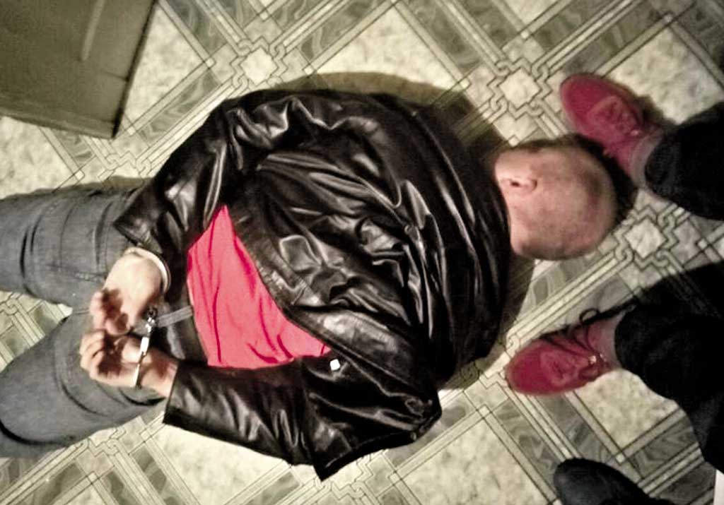 Поліцейські організували наркотрафік у Хмільнику