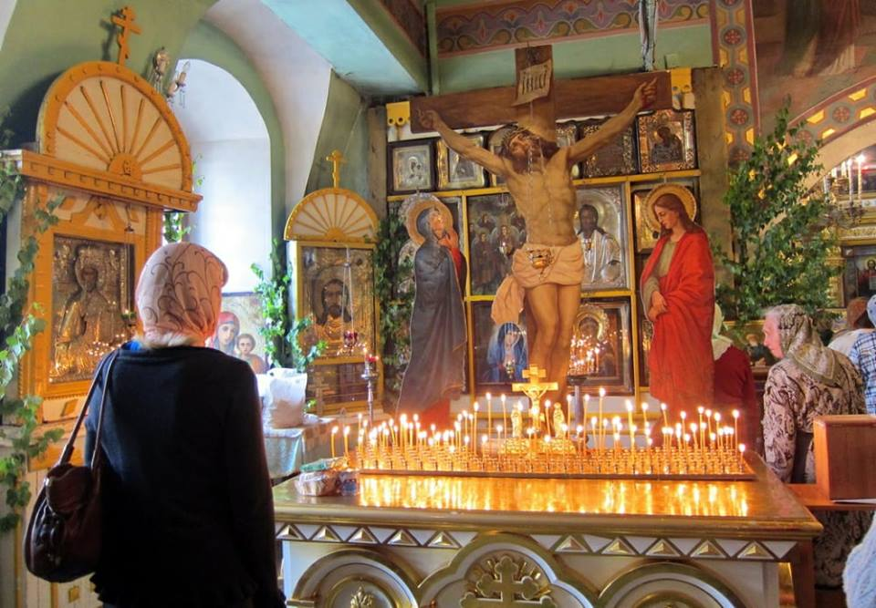 26 травня – найбільша поминальна батьківська Троїцька субота, а на Зелені Свята у Вінниці Проводи