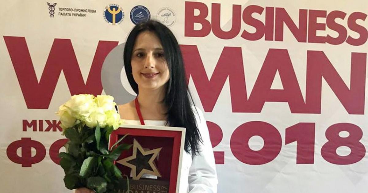 Чому Ірина Борзова, дружина заступника ДУСі, має бізнес в окупованому Криму й отримала нагороду журналу «БізнесWoman» – розслідував рух ЧЕСНО
