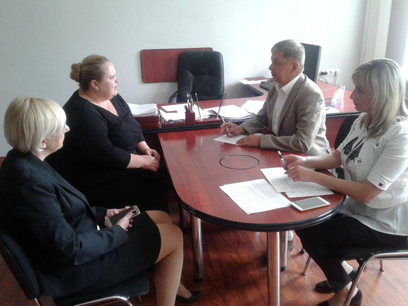 Перший заступник очільника фіскальної служби Вінниччини спілкувався з громадянами Могилів-Подільщини