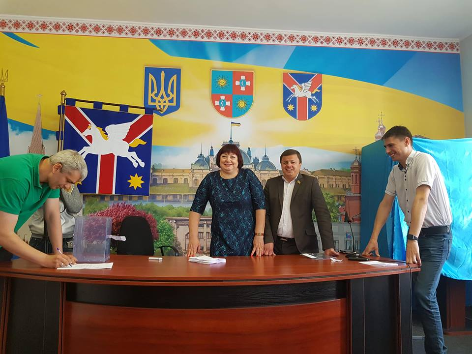 У Жмеринці депутати відправили мера у відставку. Останній каже, що це незаконно