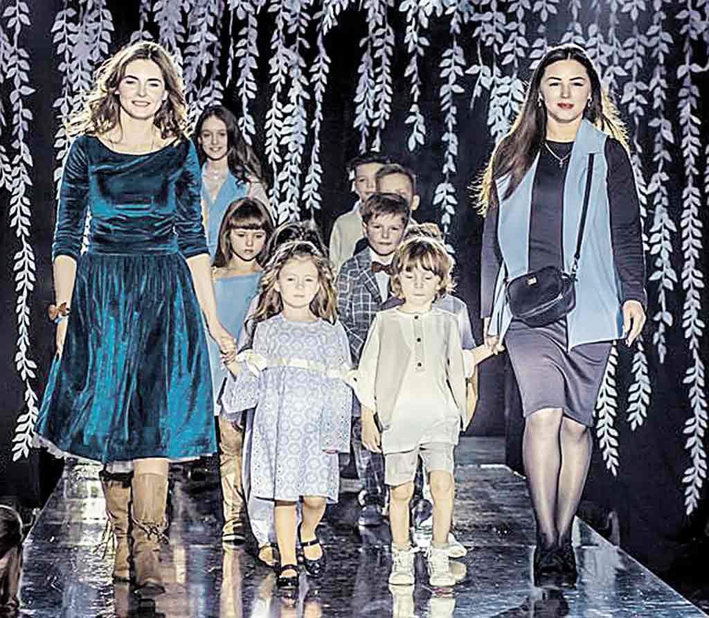 Модний одяг зі спогадами дитинства створюють дві вінничанки