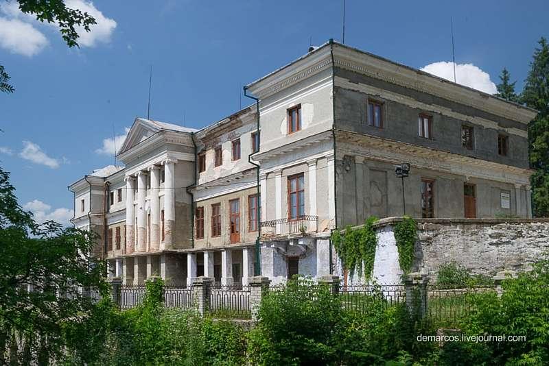 Палац у Мурованих Курилівцях відреставрують за 8 мільйонів гривень