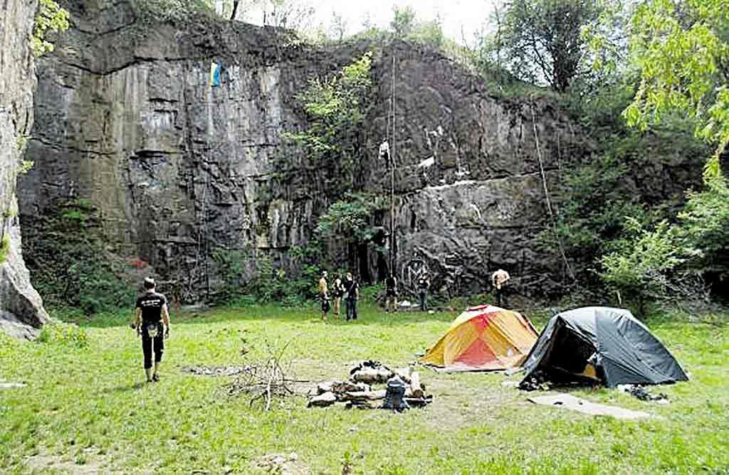 Вінничани готові боротися за скелі Каспіча в Сабарові