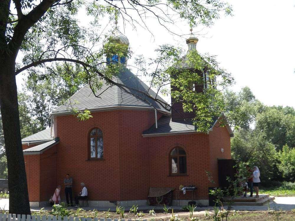 В невеликій Олександрівці на Вінниччині відкрили церкву, яку збудували вихідці села