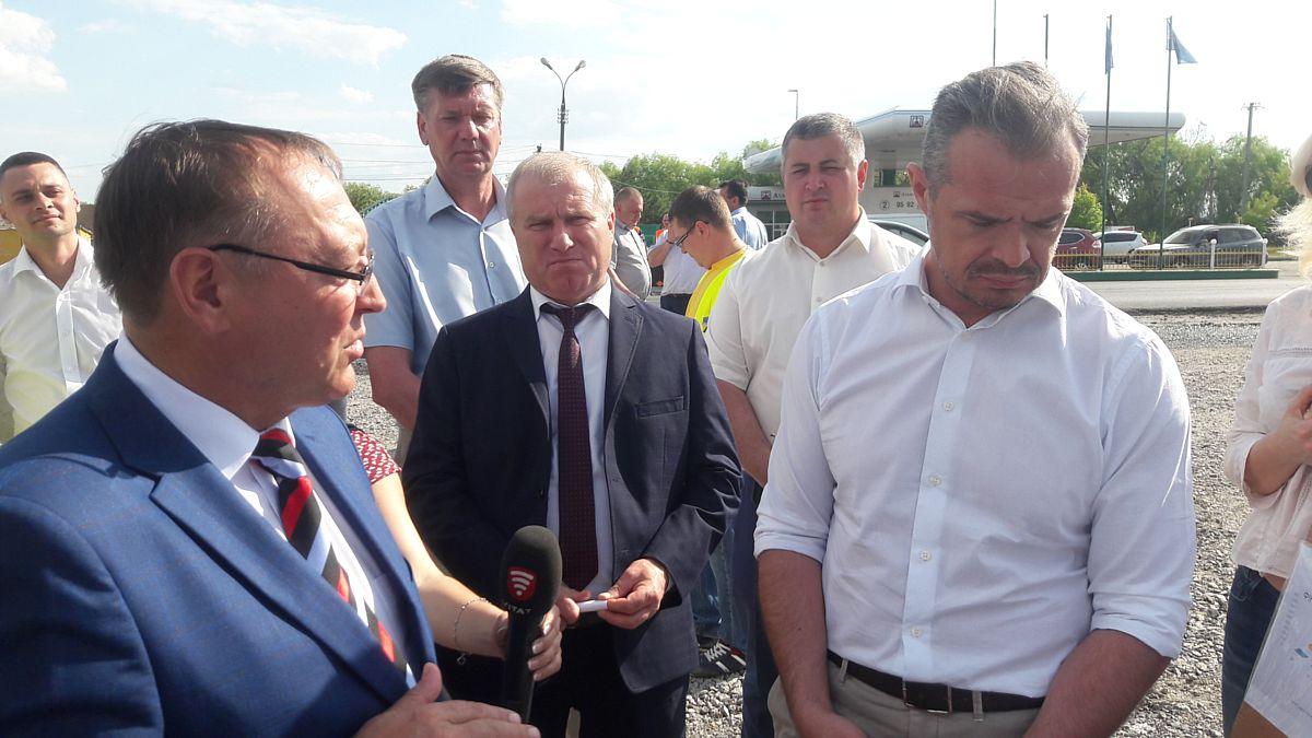 Губернатор про асфальтовий скандал у Вороновиці та дорожні «відкати» (аудіо)