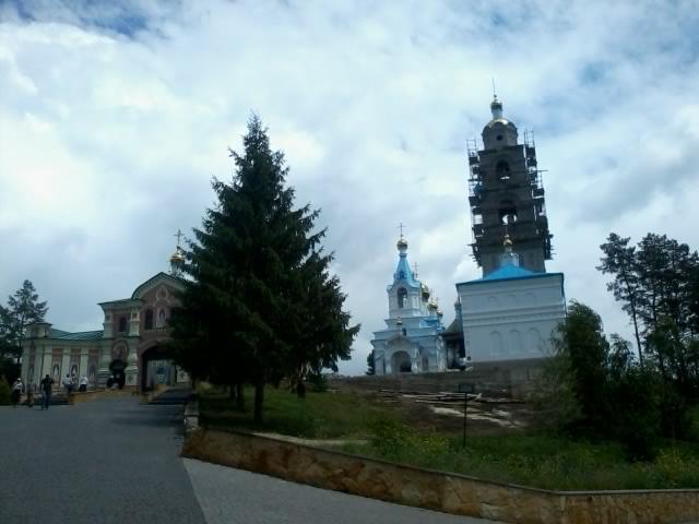 Дзвін – сльози батька магната бачили вінничани на Скиту біля Почаєва