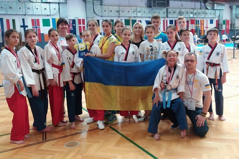 Чемпіонками і срібними призерами стали спортсменки з ДЦП із Ладижина на чемпіонаті в Австрії