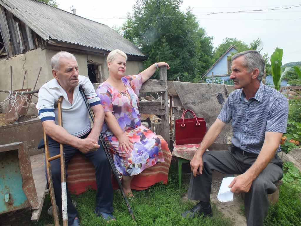 «Чому кати пенсіонерів гуляють на волі?» (відео)