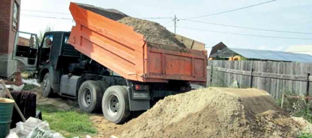 «Копання ручне, а масштаби промислові!» – кажуть активісти із Турбова про піщану мафію