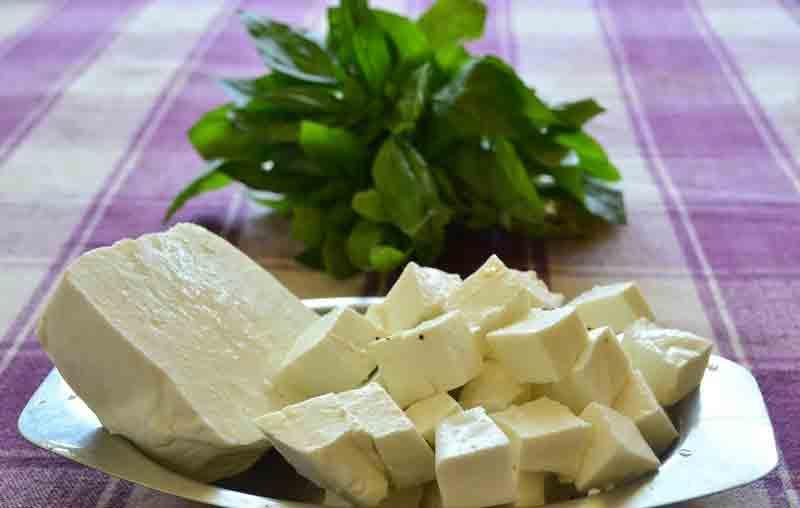 Індійський сир панір готують у Теплицькому районі