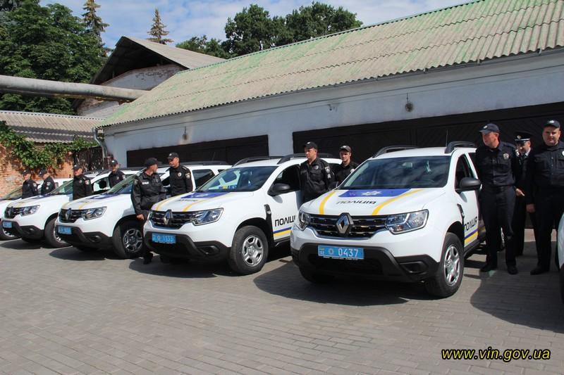 Поліція 6 районів Вінниччини отримала нові службові авто