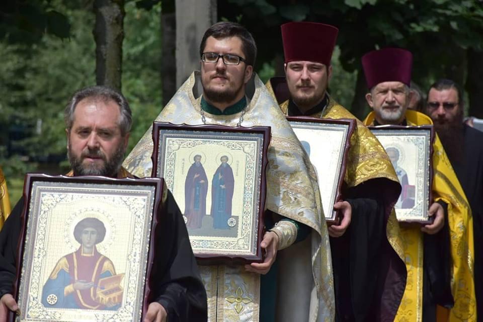 Графiк перебування iкoн з мoщами святих цiлителiв у м. Вiнницi 19-25 липня