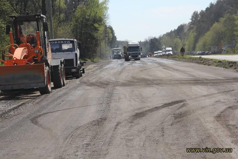 Облавтдор звітує про «ліквідацію» 400 тисяч кв.метрів ямковості на Вінниччині (відео)