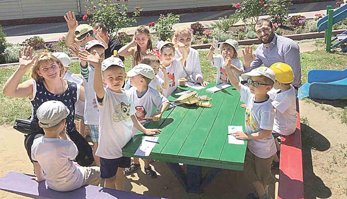 Ігровий майданчик облаштовують вінницькі волонтери для вихованців дитбудинку