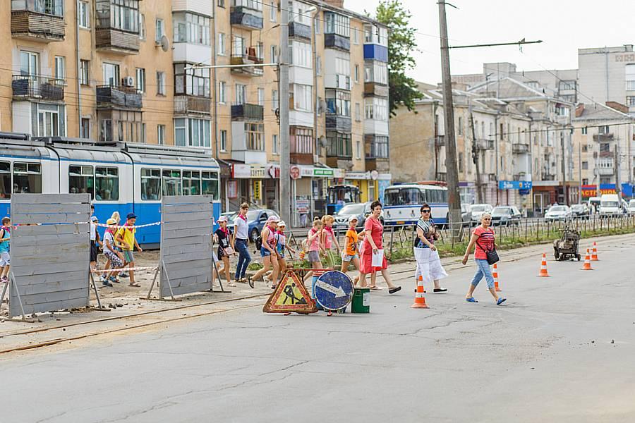 З 4 липня трамваї по Замостянській підуть по реверсній колії (відео)