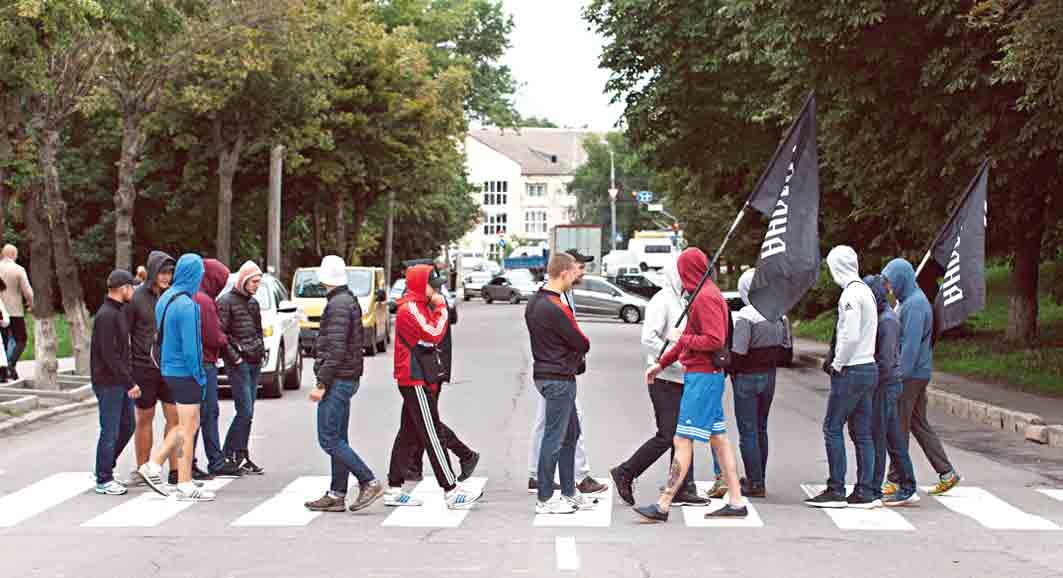 Чому активісти блокували дорогу біля «Вінницяобленерго»?