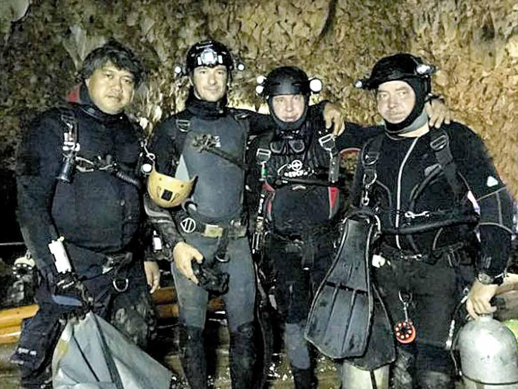 Українські дайвери рятували дітей у затопленій печері Таїланду