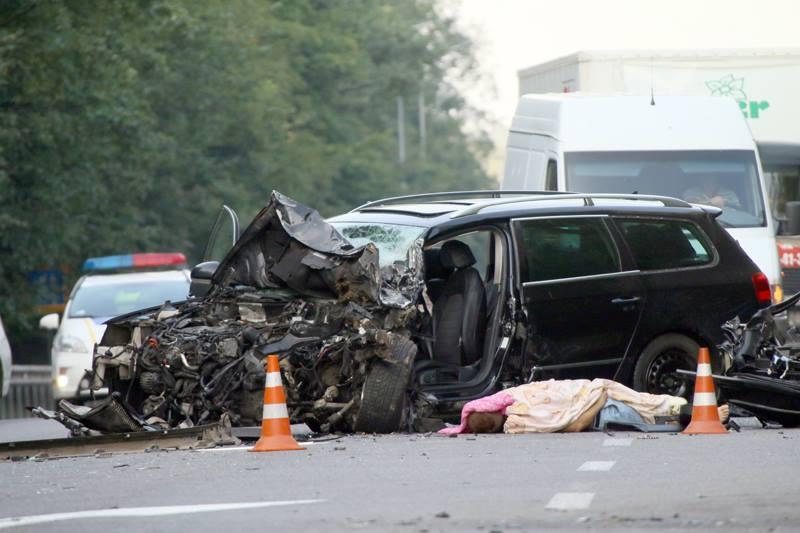 Смертельне ДТП на Вінниччині. Одна людина загинула, восьмеро в лікарні (фоторепортаж)