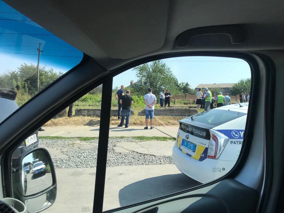 Трьома пострілами у Вінниці вбили жінку. Вбивцю шукають