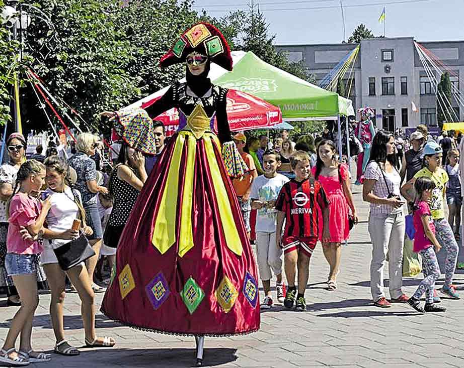 Іменини Жмеринки та «Мамина піч» у Канаві зібрали тисячі глядачів