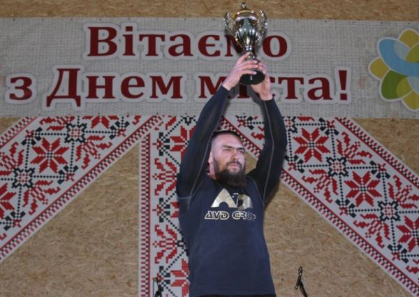 Вінницький стронгмен встановив новий рекорд
