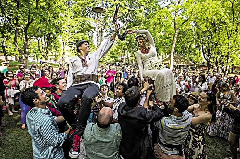 Мода на українські весілля у Канаді у Вінниці це вважають «отстоєм» «продвінуті наречені»!