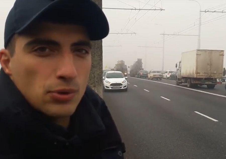 Патрульні Вінниці підтримали акцію водіїв проти дорогого пального і не штрафували «Бензинову блокаду» (відео)