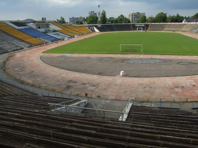 На ремонт 69-річного центрального стадіону у Вінниці бракує коштів
