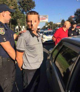 Двоє рецидивістів обкрадали автомобілі вінничан