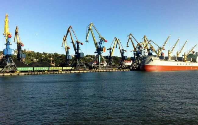 Українські порти мають понад мільярд гривень збитків через блокаду Росією Азовського моря