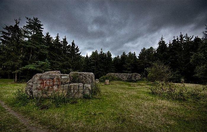 На ставці Гітлера «Вервольф» знайшли гранату часів Другої світової війни